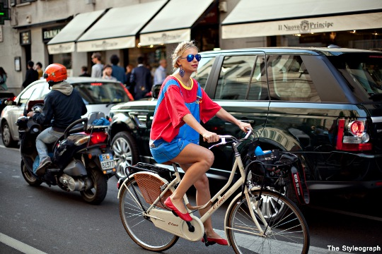 Zhanna Roma milan fashion week street style on bike