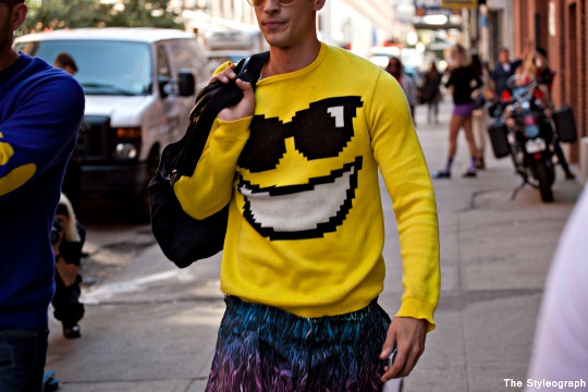 smilling shirt model street style new york fashion week men