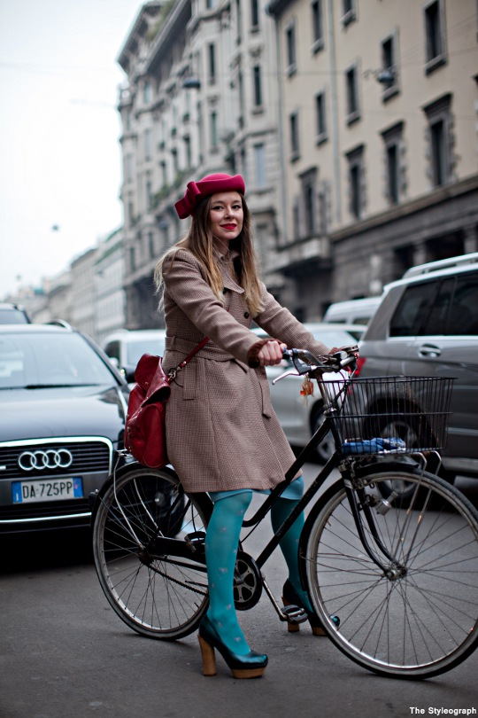 girl on bike streetstyle photo