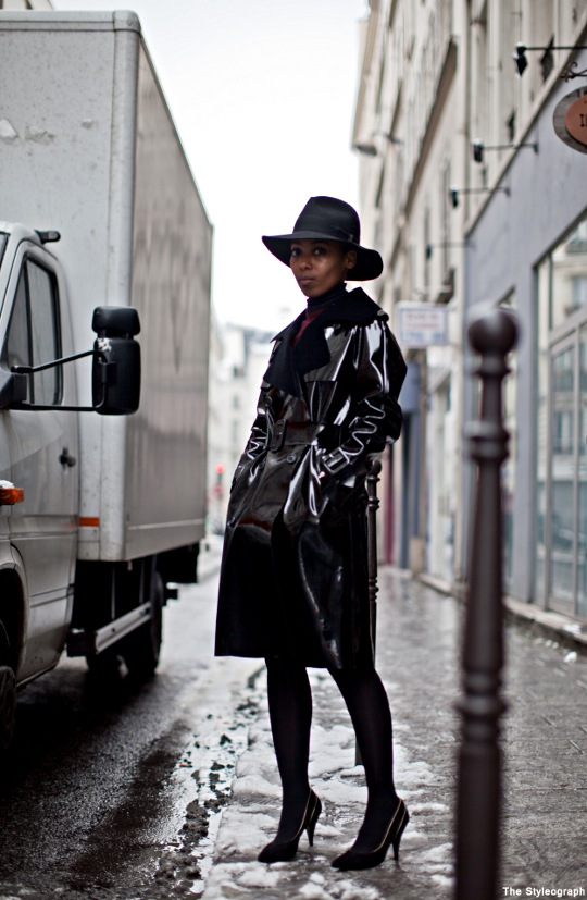 black trench coat streetstyle images fashion week