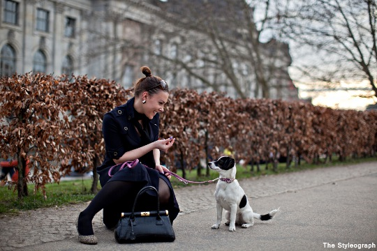 street style blog berlin women with dog