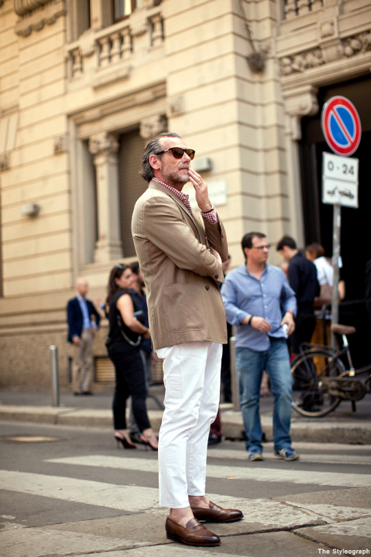 Alessandro Squarzi is always dressed perfectly. I was able to caputre his photo in front of the Gucci show during Milan Men Fashion Week.