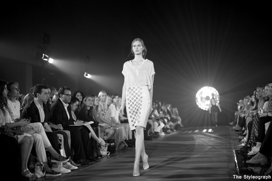 kaviar gauche model catwalk