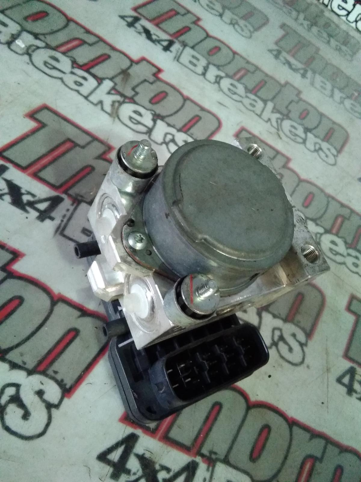View Auto part ABS Pump/Modulator MITSUBISHI L200 2010