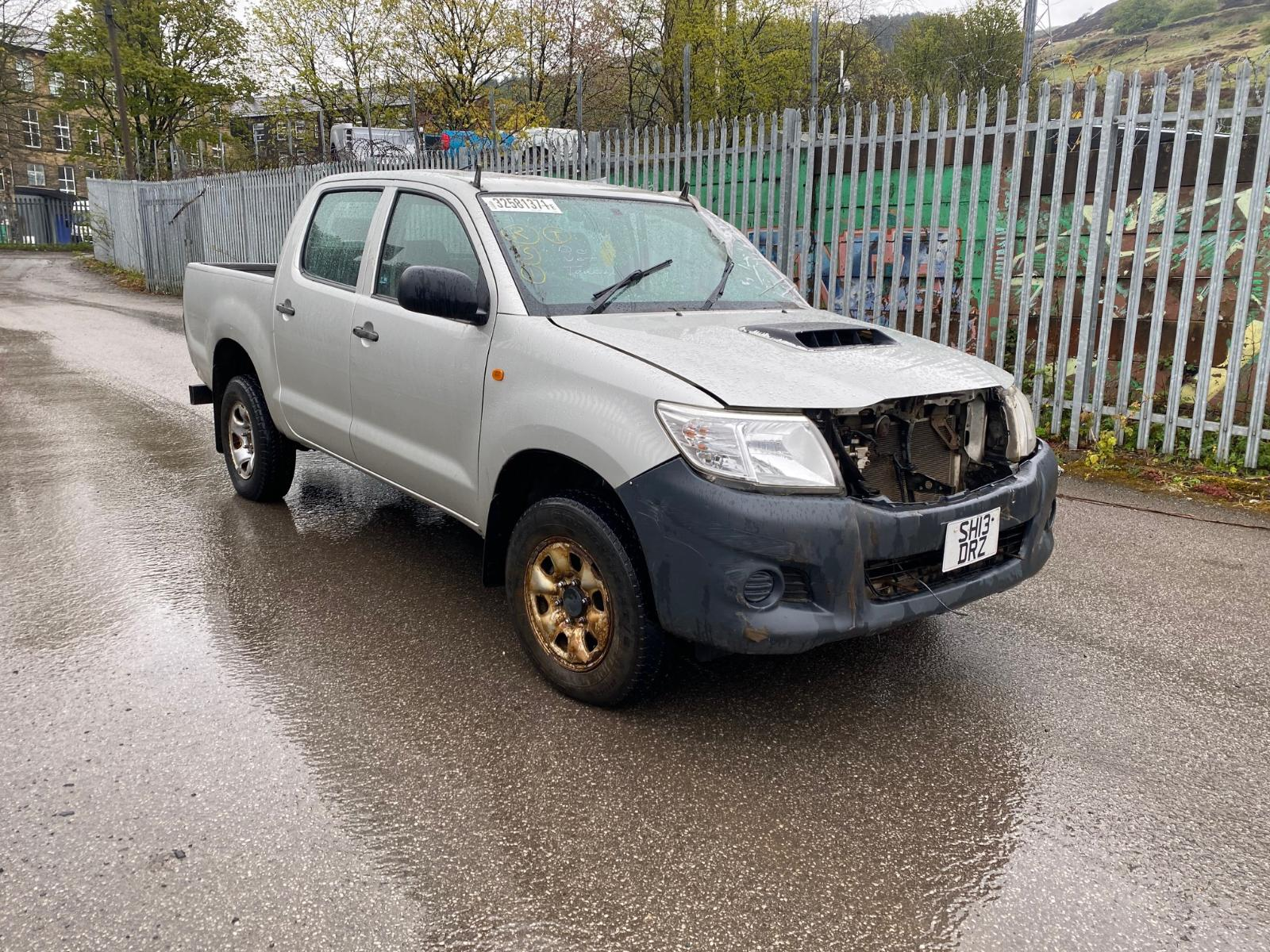 Image for a TOYOTA HILUX 2013 4 Door Pickup