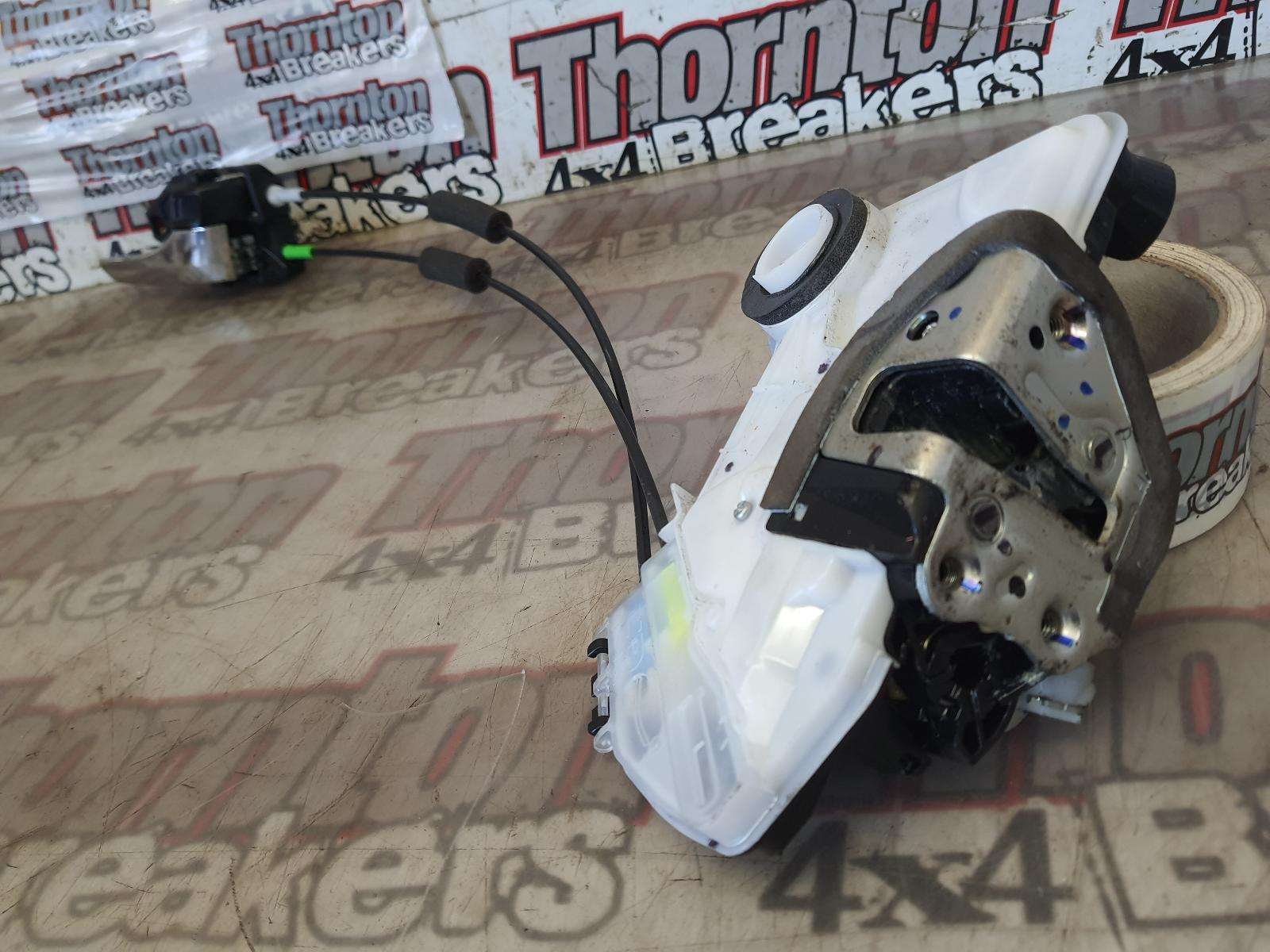View Auto part Door Lock Assembly TOYOTA HILUX 2017