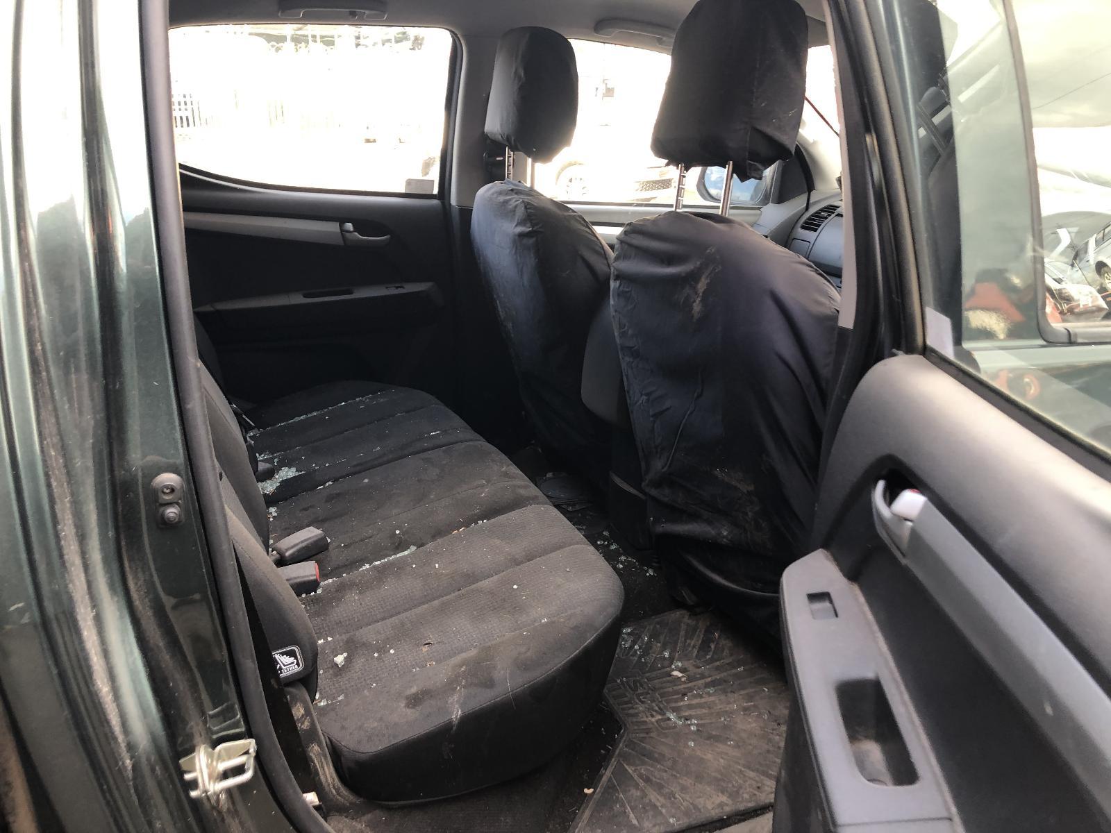 View ISUZU D-MAX 2016 4 Door Pickup