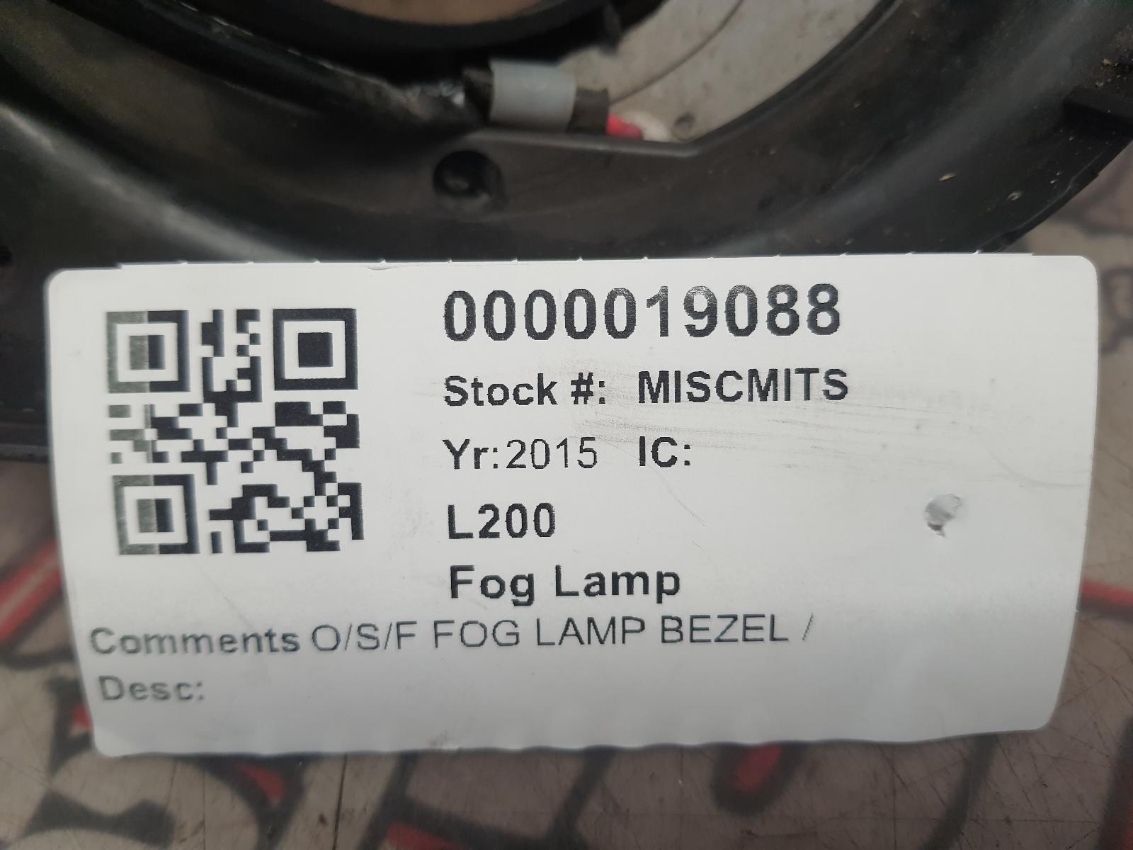 View Auto part Fog Lamp MITSUBISHI L200 2015