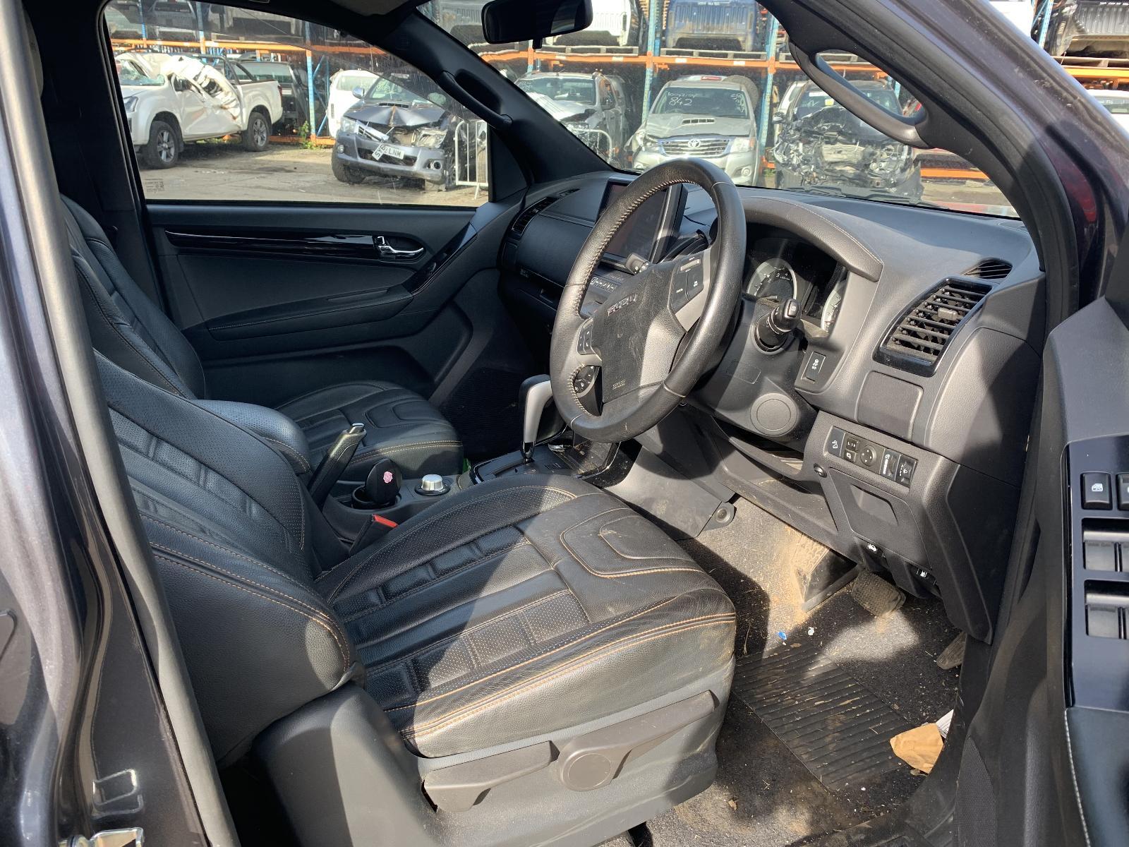 View ISUZU D-MAX 2019 4 Door Pickup