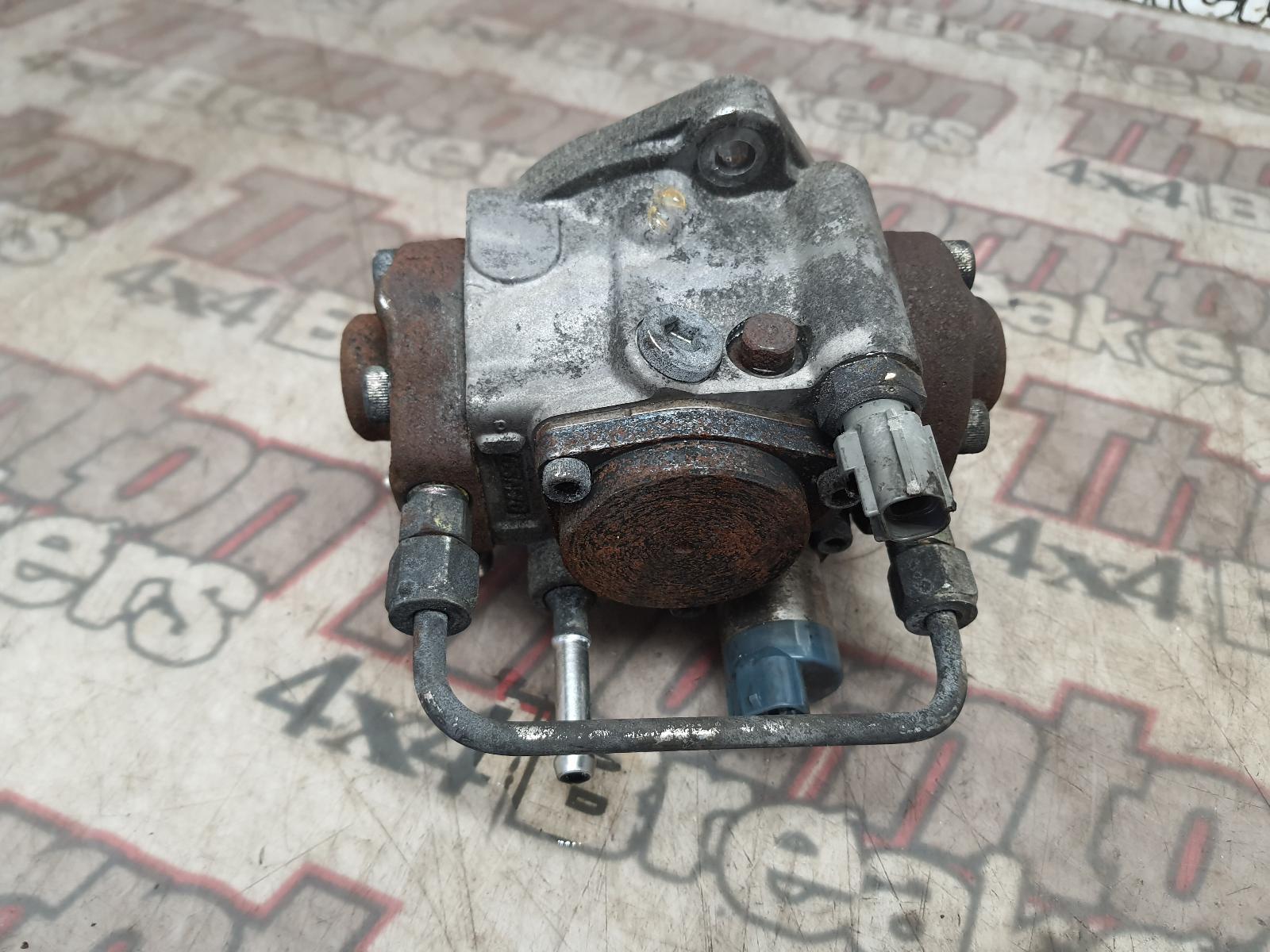 View Auto part Injector Pump MITSUBISHI L200 2015