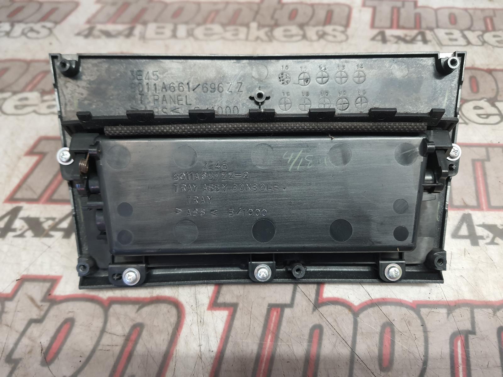 View Auto part Console MITSUBISHI L200 2011
