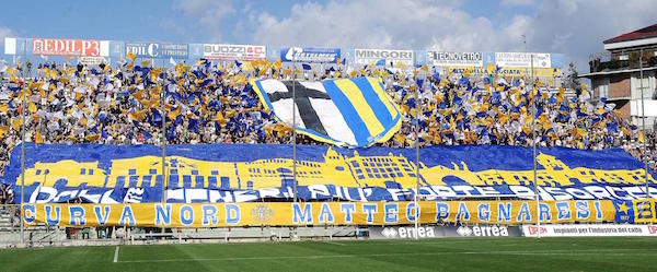 parma_stand.jpg