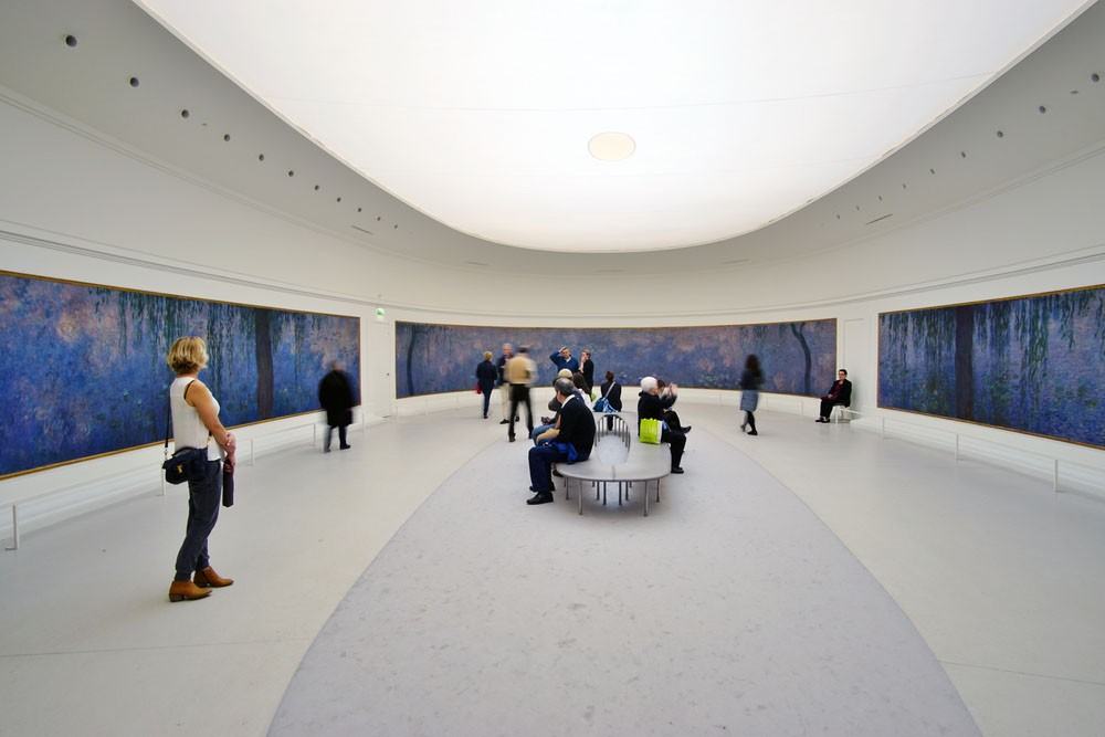 One of the most romantic things to do in Paris is going to Musée de l'Orangerie
