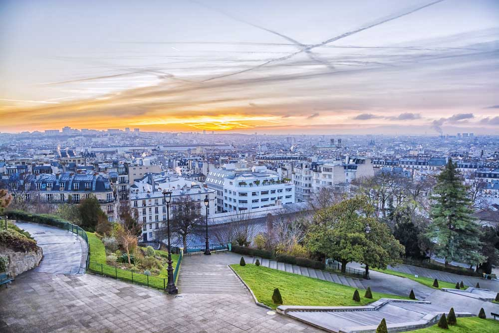One of the most romantic things to do in Paris is going to Montmartre
