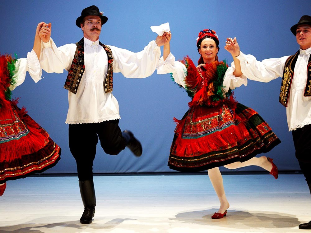Watch Hungarian folk dance on your Budapest getaway