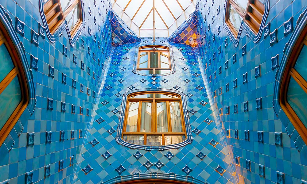 The ornate interior of Casa Batlló, one of Gaudí's masterpieces and a Modernisme highlight in Barcelona.