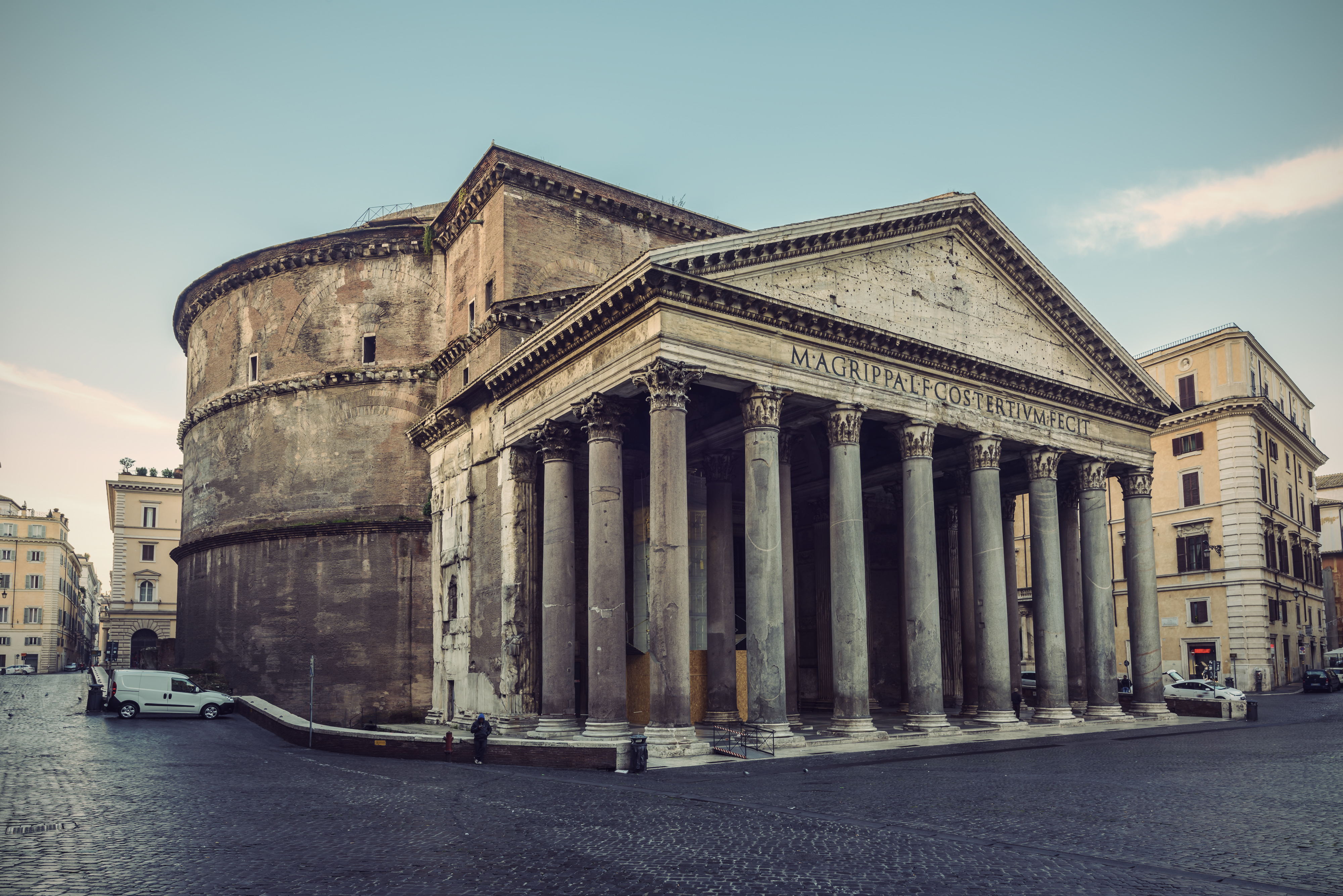 Pantheon in Rome, quiet facing the portico