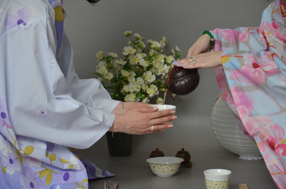 Pouring Japanese tea