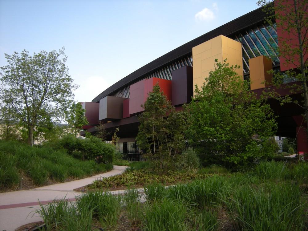Exterior of the Musée du quai Branly - Jacques Chirac.
