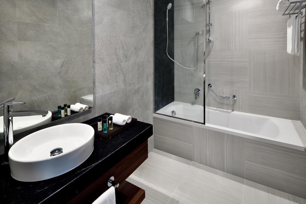 Mövenpick Hotel Apartments Downtown Dubai-16 of 42 photos