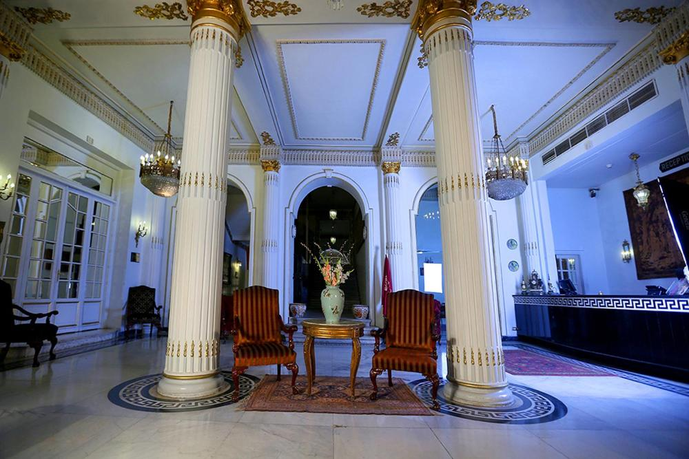 Paradise Inn Windsor Palace Hotel-12 of 43 photos