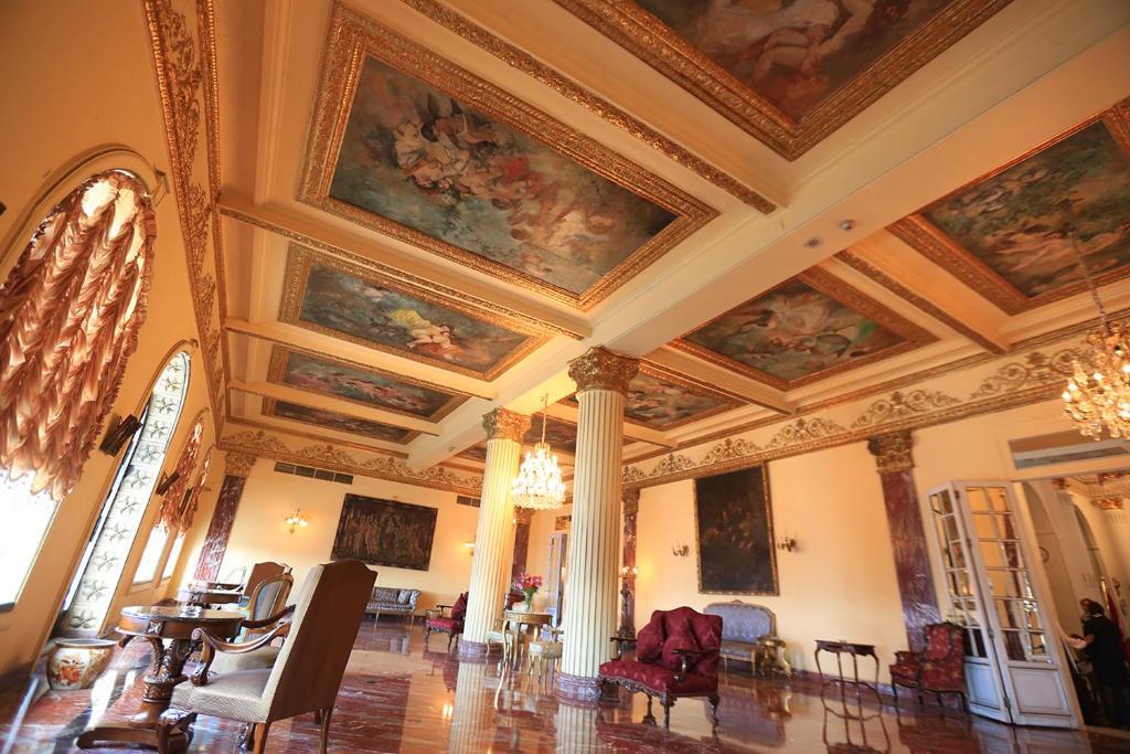 Paradise Inn Windsor Palace Hotel-26 of 43 photos