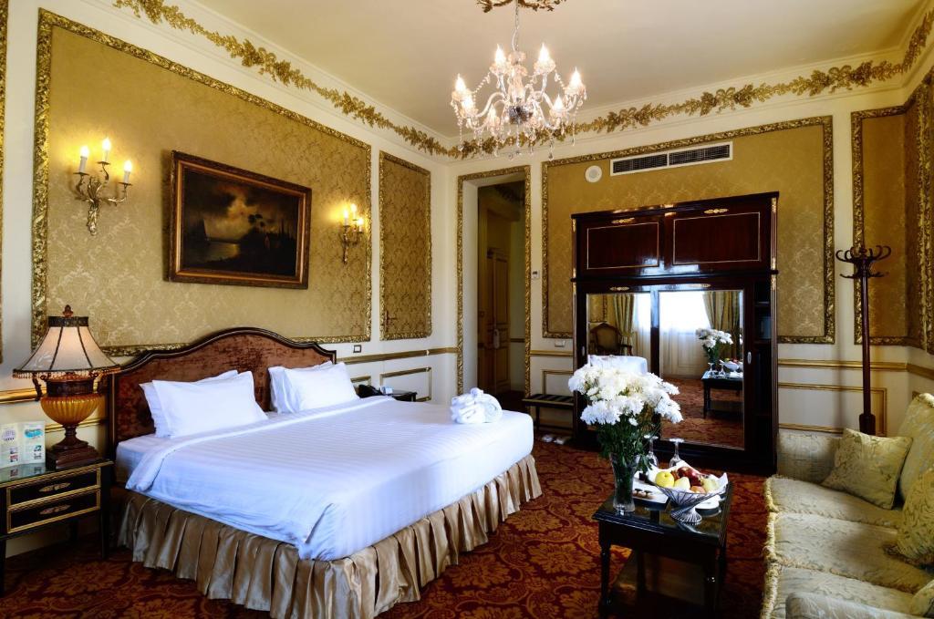 Paradise Inn Windsor Palace Hotel-3 of 43 photos