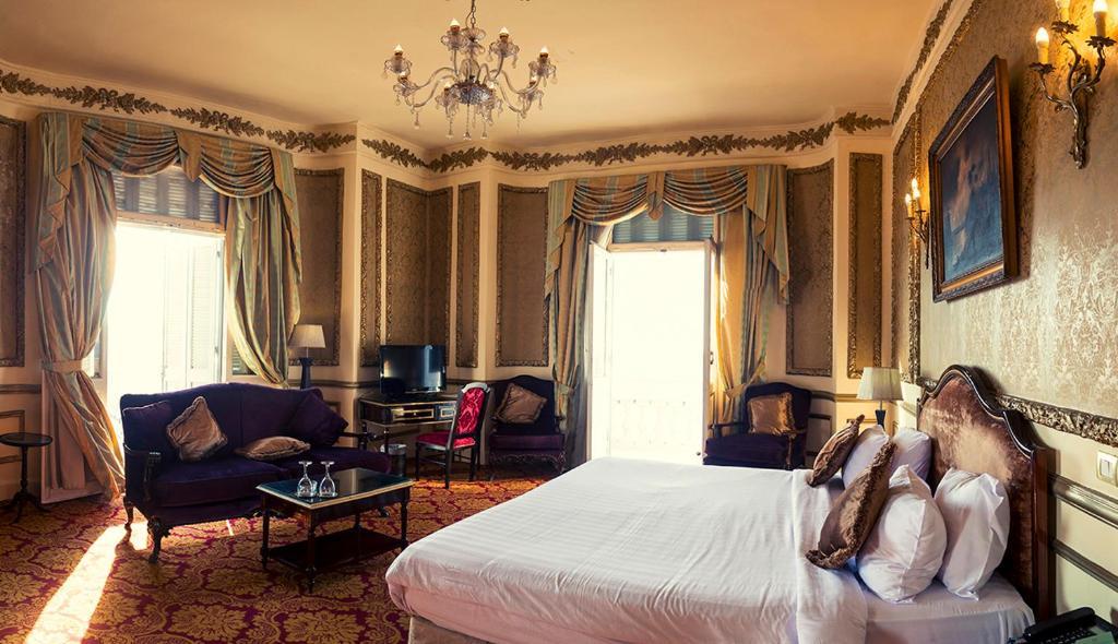 Paradise Inn Windsor Palace Hotel-31 of 43 photos