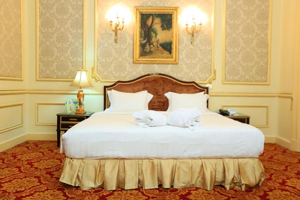 Paradise Inn Windsor Palace Hotel-33 of 43 photos