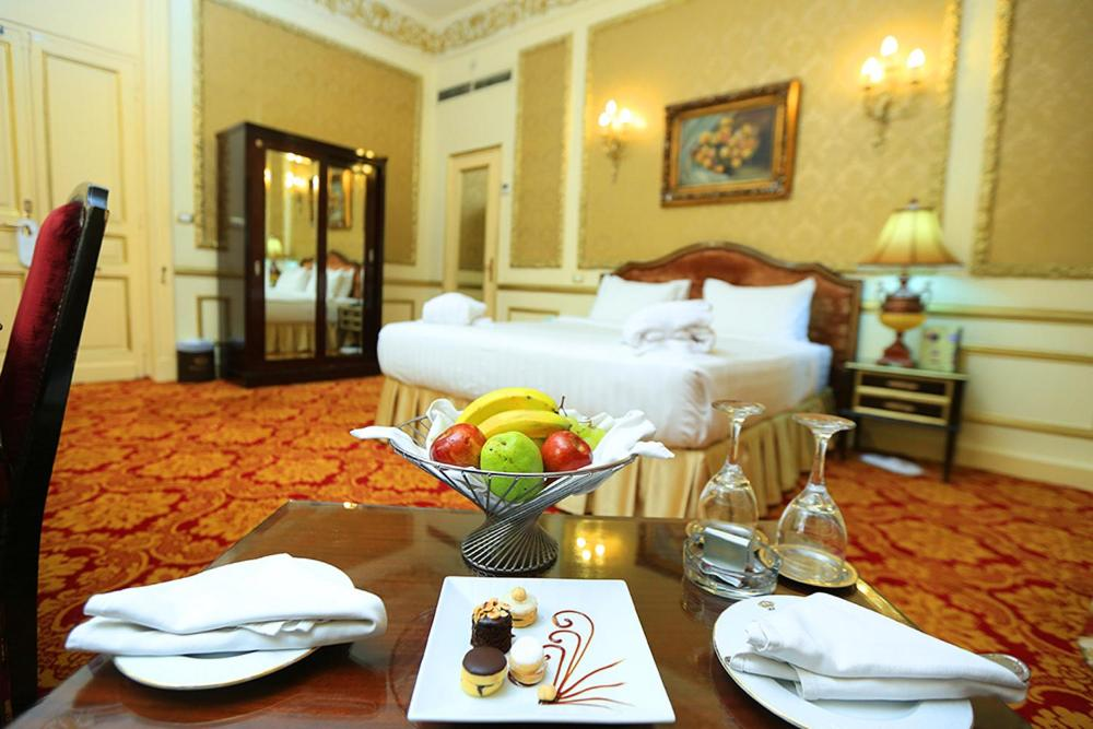 Paradise Inn Windsor Palace Hotel-34 of 43 photos