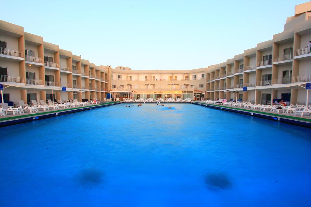 Beach Hotel Sharjah-13 of 39 photos