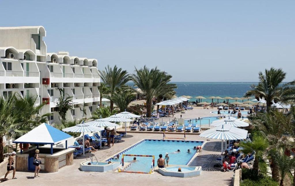 Triton Empire Beach Resort-1 من 31 الصور