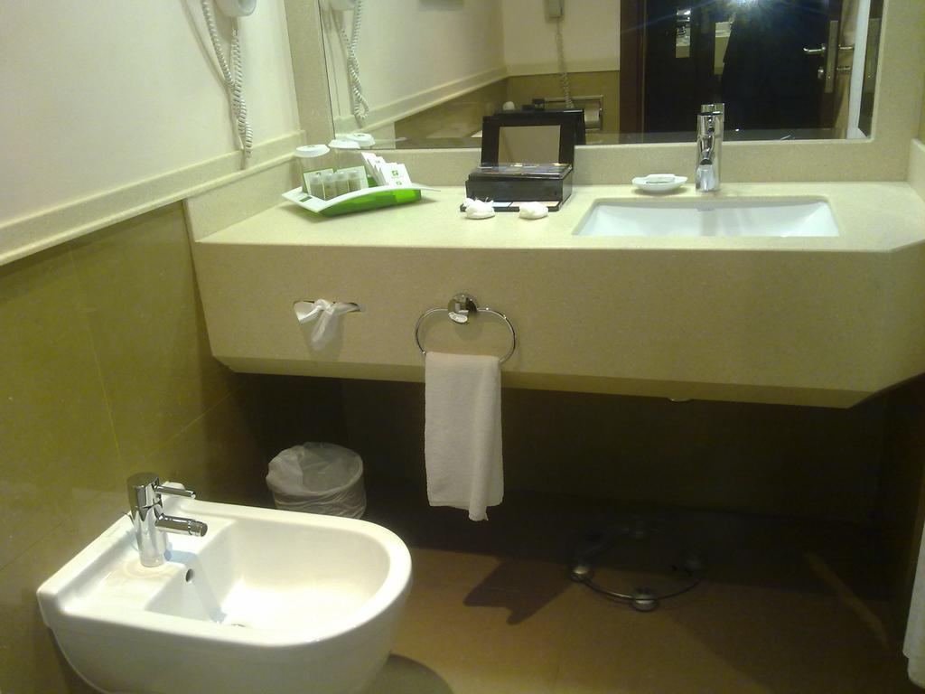 فندق هوليداي إن الرياض ازدهار-34 من 46 الصور