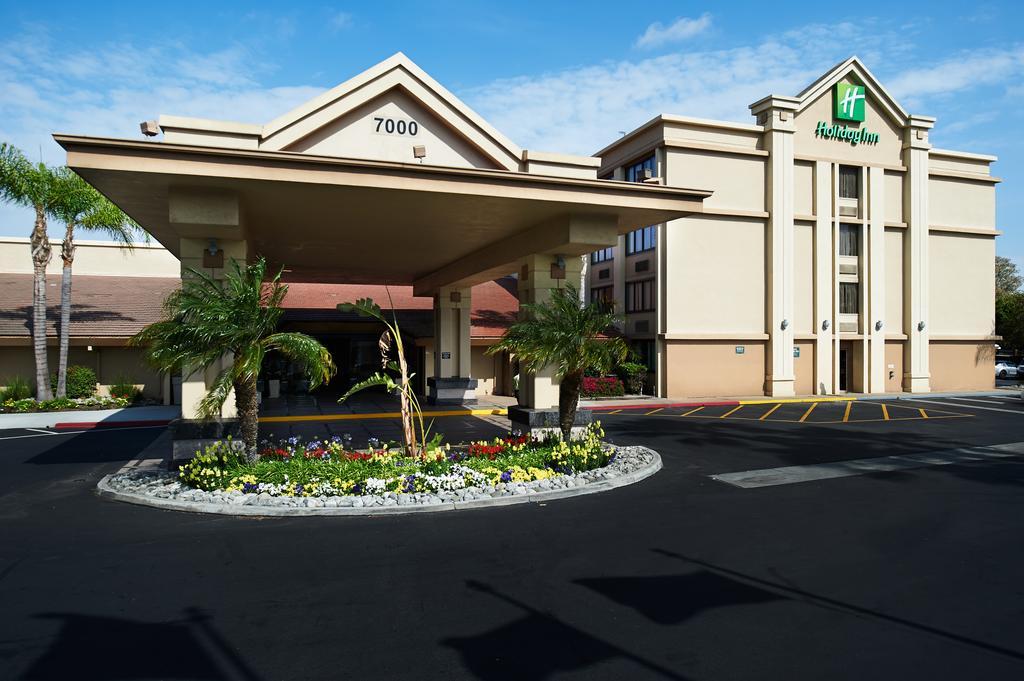 Holiday Inn Buena Park-1 of 26 photos