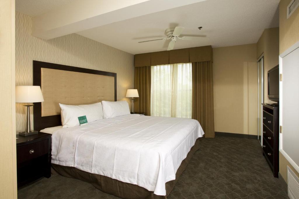 Homewood Suites by Hilton Alexandria-28 of 37 photos