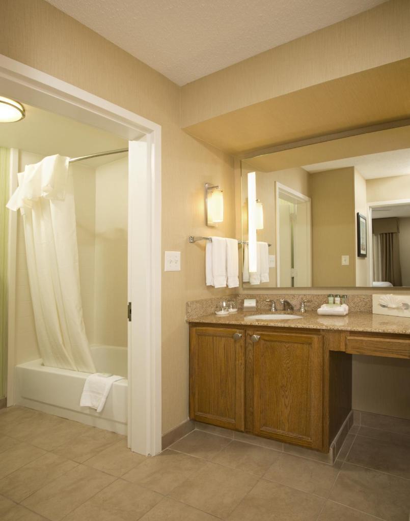 Homewood Suites by Hilton Alexandria-6 of 37 photos