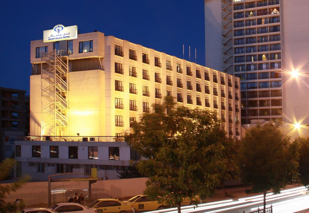Grand Palace Hotel-1 of 35 photos