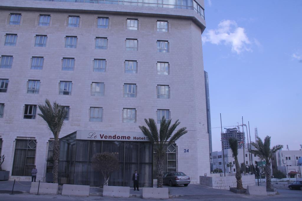 Le Vendome Hotel-14 of 50 photos