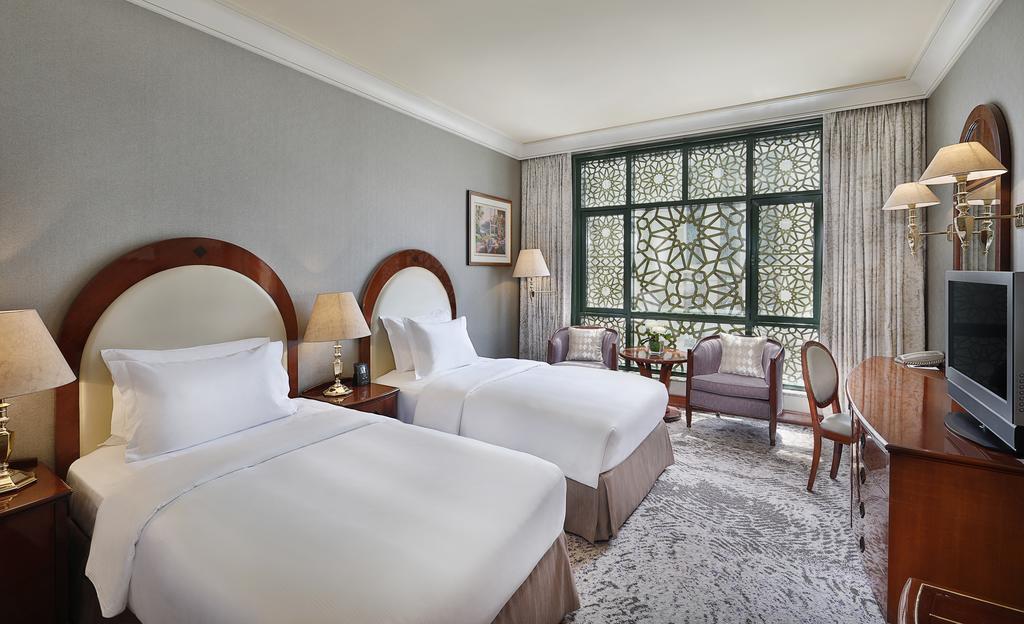 Madinah Hilton Hotel-14 of 43 photos