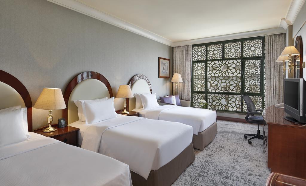Madinah Hilton Hotel-15 of 43 photos