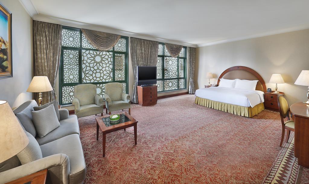 Madinah Hilton Hotel-25 of 43 photos
