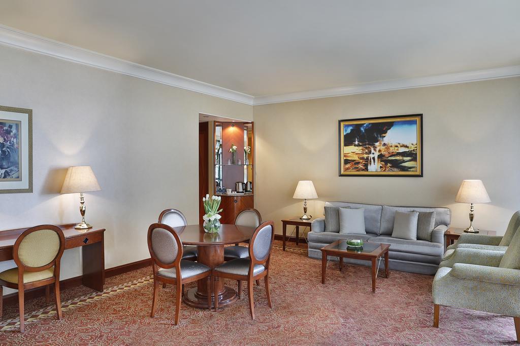 Madinah Hilton Hotel-26 of 43 photos