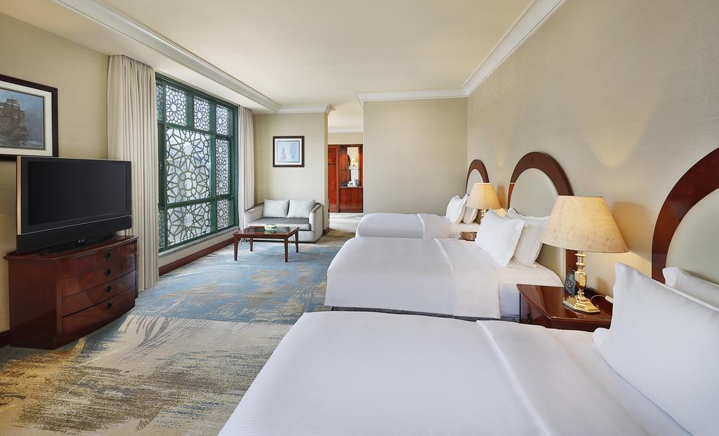 Madinah Hilton Hotel-30 of 43 photos
