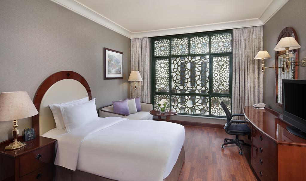 Madinah Hilton Hotel-32 of 43 photos