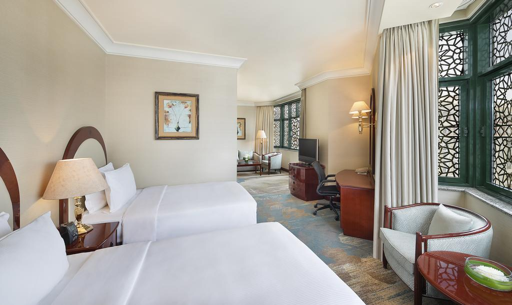 Madinah Hilton Hotel-8 of 43 photos