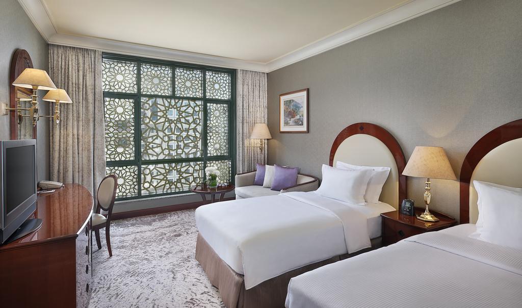 Madinah Hilton Hotel-10 of 43 photos