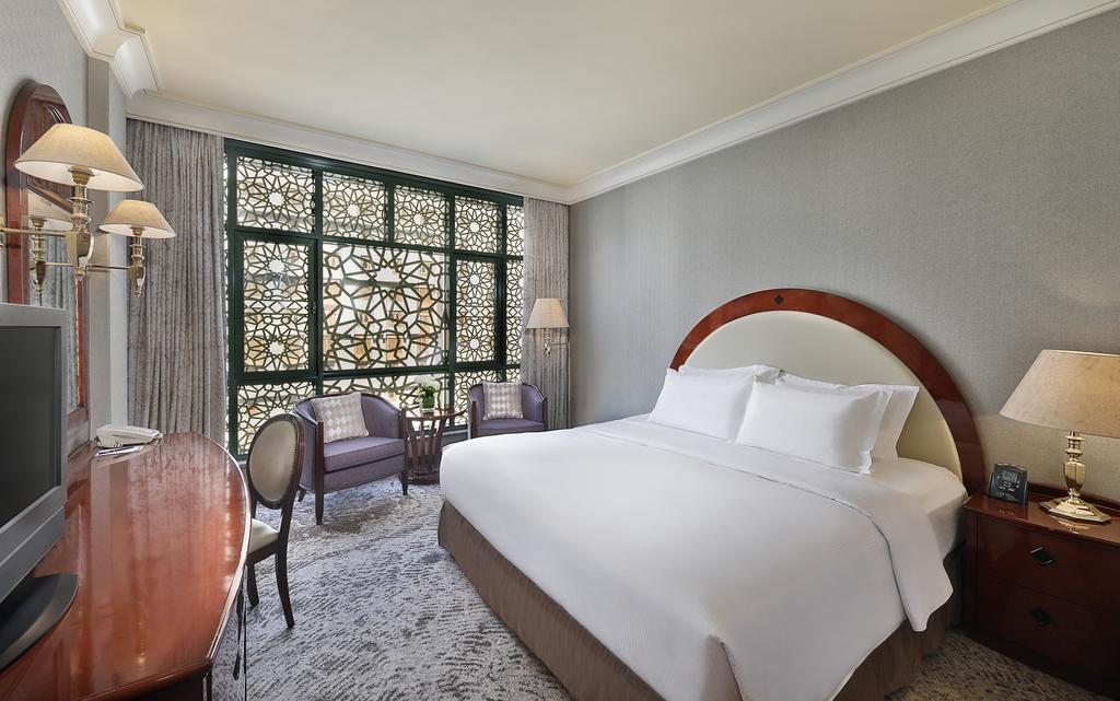 Madinah Hilton Hotel-11 of 43 photos