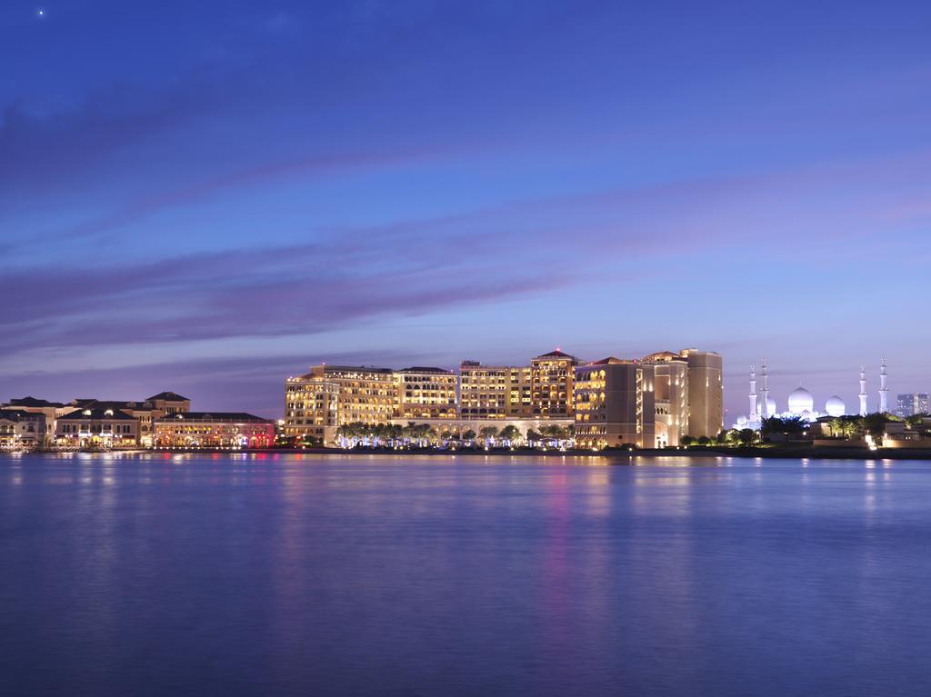 فندق ريتز كارلتون أبو ظبي، القناة الكبرى-10 من 42 الصور