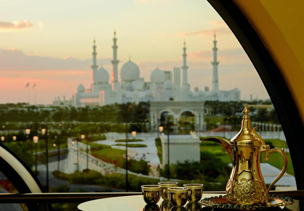 فندق ريتز كارلتون أبو ظبي، القناة الكبرى-47 من 42 الصور