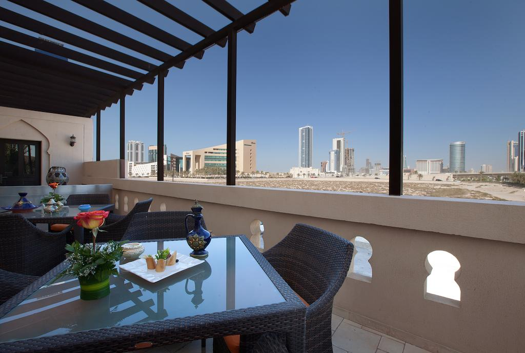 Mercure Grand Hotel Seef / All Suites-11 of 37 photos